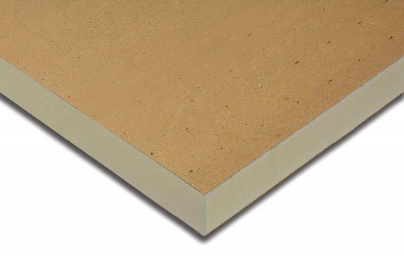 Polyiso insulation without halogenated flame retardant for Fiberglass insulation fire resistance