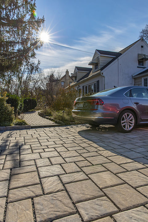EP Henry ECO Bristol Pavers help manage stormwater runoff and are the first commercial product to use Solidia's low-GWP concrete.
